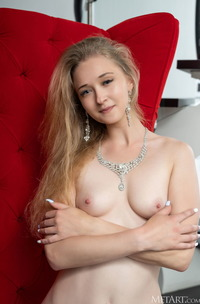 Clara Expose Her Perky Breasts And Shaved Pussy