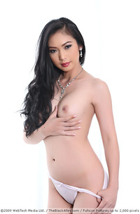 Japanese Sexy Model Lin Si Yee