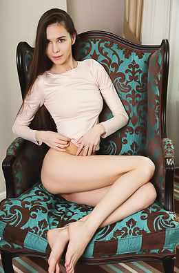 Russian beauty Leona A has her long, silky smooth legs