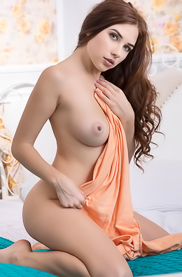 Gorgeous Busty Brunette Niemira Getting Naked