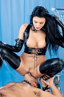 Aletta Ocean: I'm Going Shopping