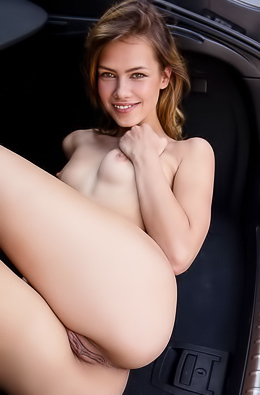 Laina - Naked babe washes her car in the parking lot