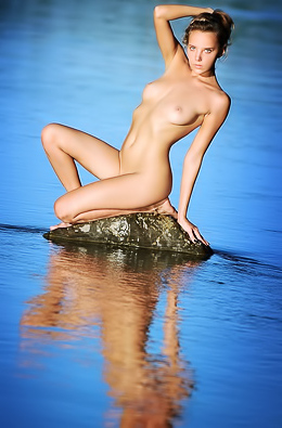 Katya Clover is the naked, gorgeous siren of the lake